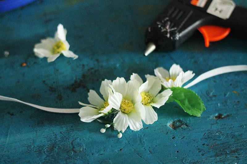 como fazer coroa de flores