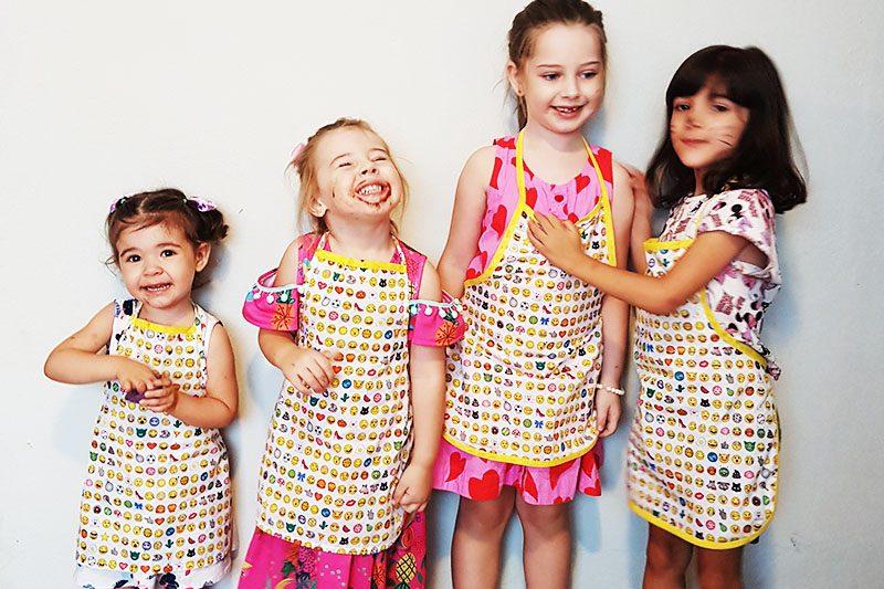 8c243a38af Avental infantil com molde grátis - Escola de Costurar - Dicas e ...